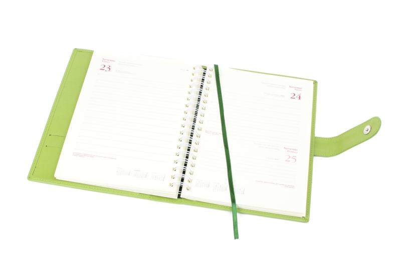 Agendas 2018 personalizadas para empresas. Agenda día página con encuadernación Wire-O.